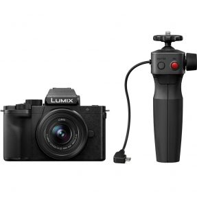 Panasonic Lumix DC-G100 Vlogkit + 12-32 & tripod grip
